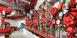 Les extincteurs automatiques à eau ou sprinkler permettent de détecter puis d'éteindre ou de contenir un incendie. Les sprinklers sont un moyen de lutte contre les incendie.