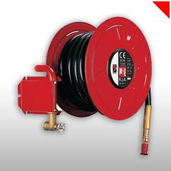 Les RIA, les robinets d'incendie armés, doivent permettre une intervention immédiate en attendant l'arrivée des pompiers.