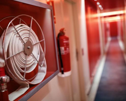 Pour votre établissement professionnel, les équipements en protection incendie sont obligatoires. QUALIFEU, professionnel est protection incendie est là pour vous conseiller.